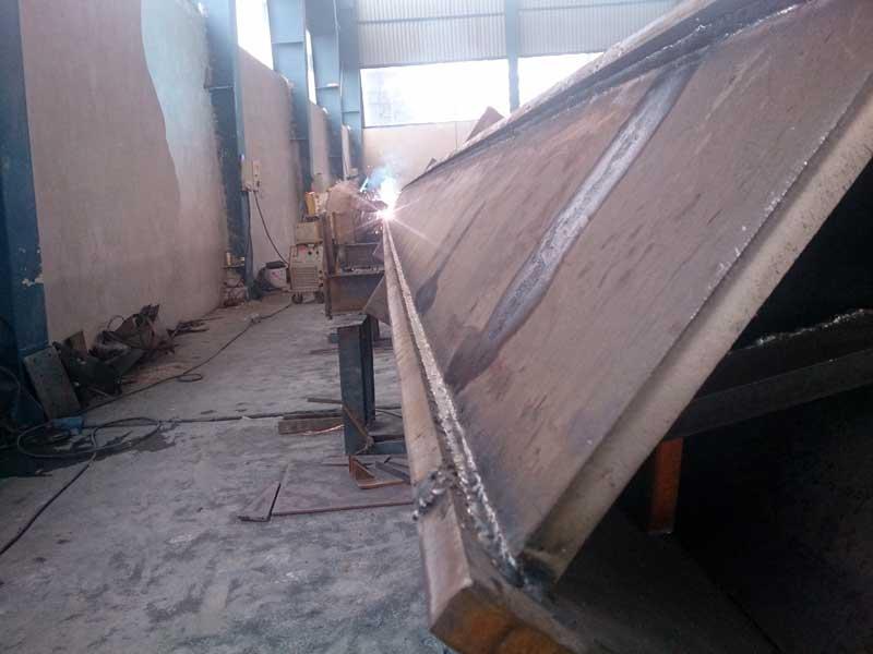 ساخت سازه فلزی